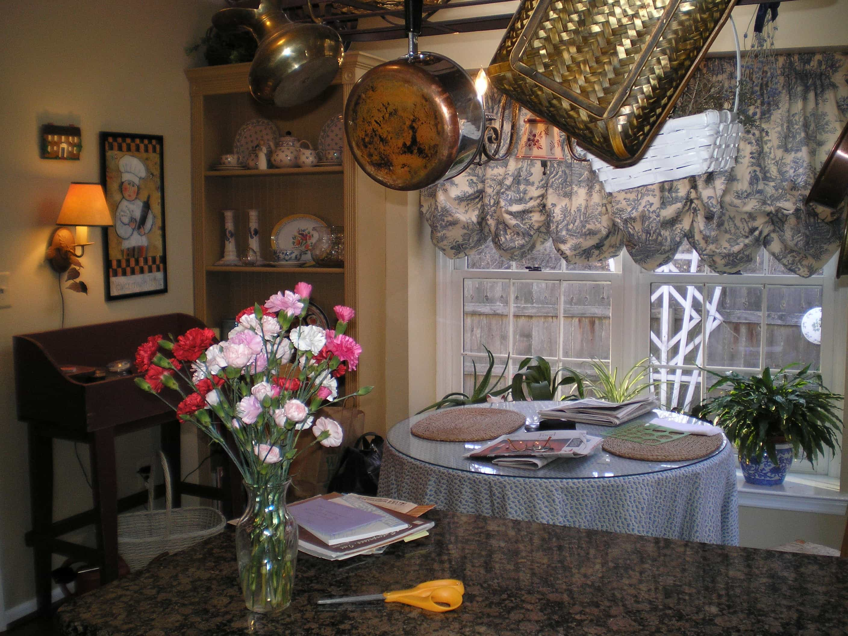 decluttering a Cluttered Dining Area