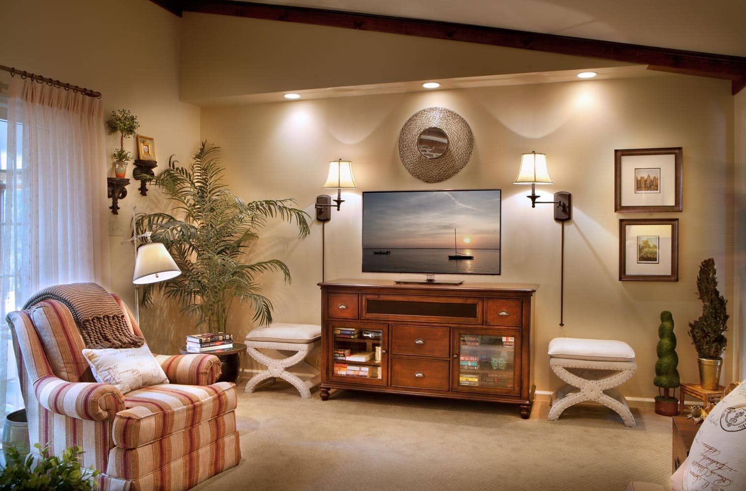 lakeshore-family-room-design